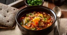 Fasolada - Griechische Bohnensuppe Rezept