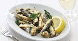 Frittierte Sardellen - Gavros Rezept